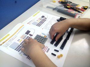 ロボット教室体験組立